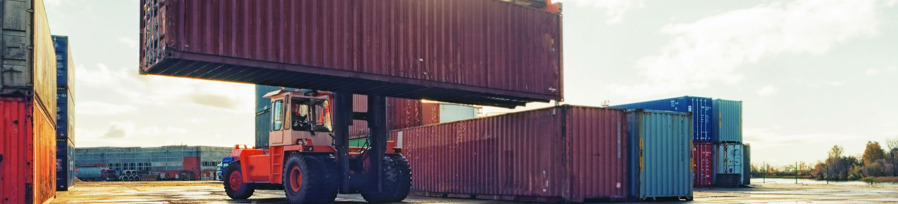 header-container